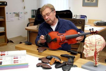 Neuer Kinnhalter für Violinen: Geige spielen ohne Schmerz