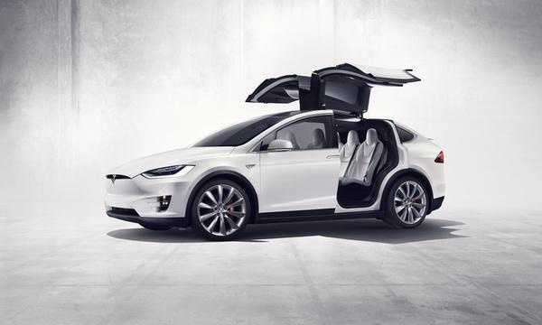Tesla Model X: Familienauto mit Flügeln